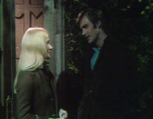 642 dark shadows carolyn chris date