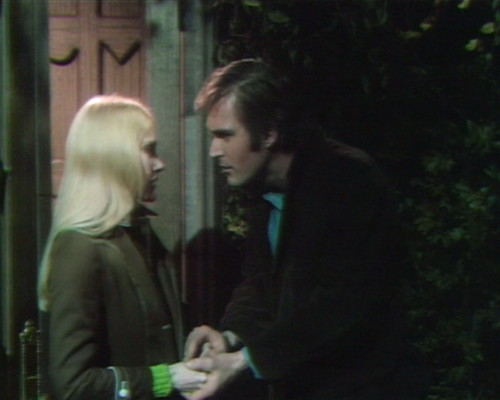 642 dark shadows carolyn chris frightened