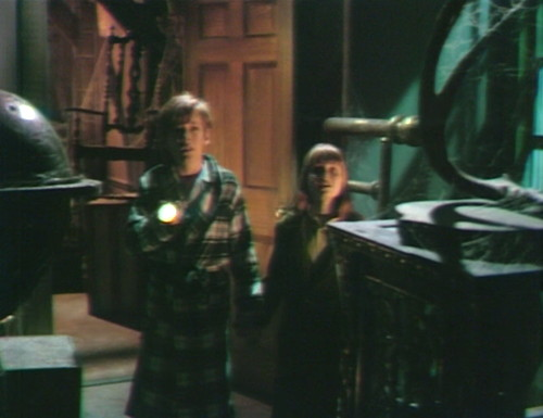 643 dark shadows david amy flashlight