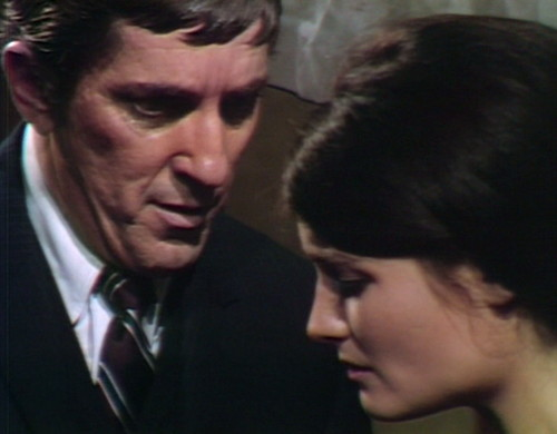 650 dark shadows barnabas vicki battle