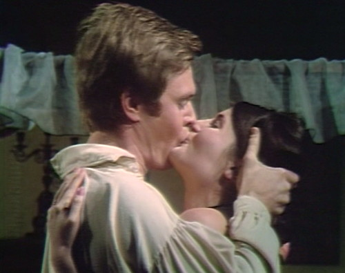 650 dark shadows pj vicki kiss
