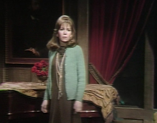 656 dark shadows maggie drawing room