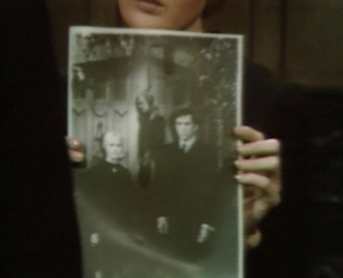 659 dark shadows carolyn vicki barnabas 3