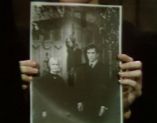 659 dark shadows carolyn vicki barnabas 5