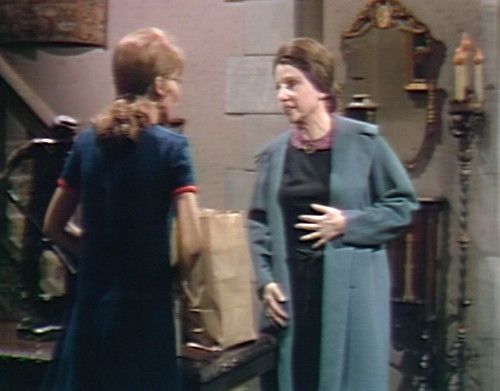 669 dark shadows maggie mrs johnson foyer