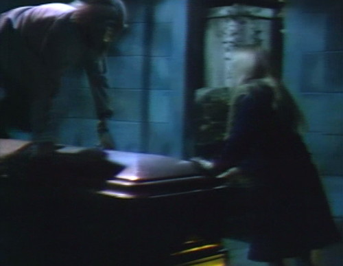 672 dark shadows werewolf coffin carolyn