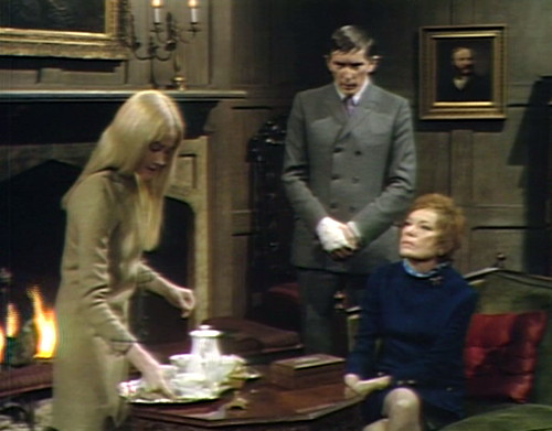 674 dark shadows carolyn barnabas julia gossip