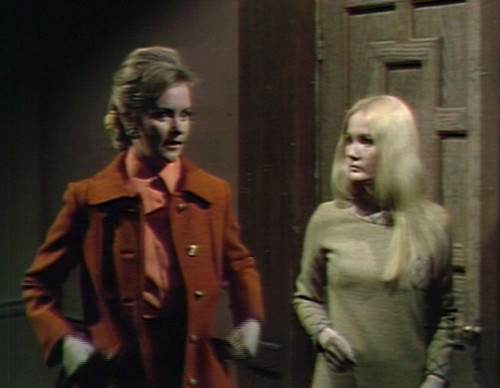 674 dark shadows donna carolyn wow
