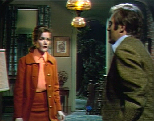 674 dark shadows donna chris redshirt