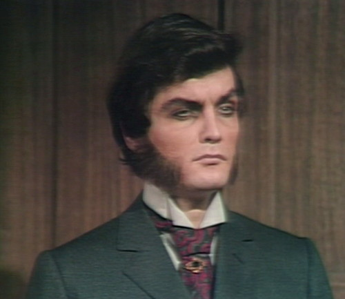679 dark shadows quentin stare