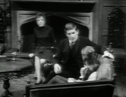 683 dark shadows julia barnabas amy