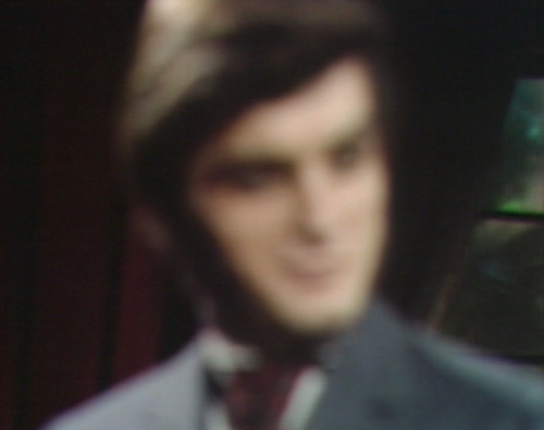 685 dark shadows quentin blurry