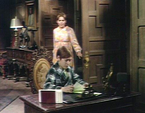 688 dark shadows maggie david roaming