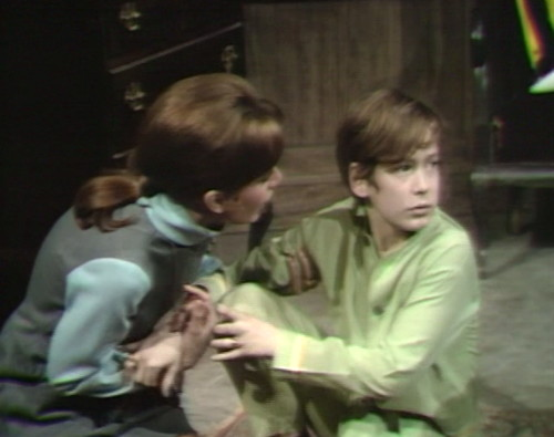 690 dark shadows maggie david laugh