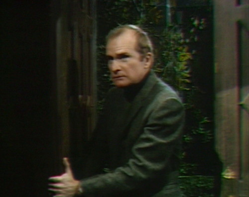 694 dark shadows roger we'll be back