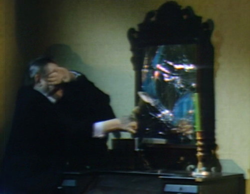 694 dark shadows stokes breaks mirror