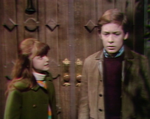 695 dark shadows amy david door