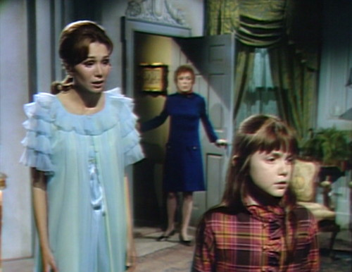 699 dark shadows maggie julia amy
