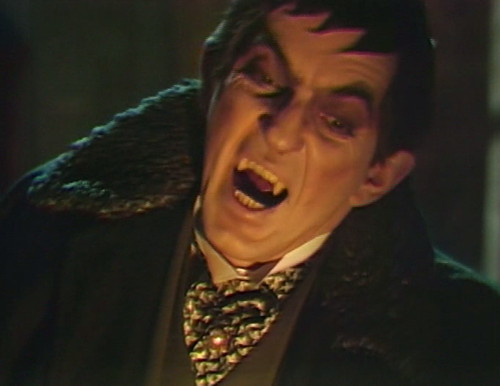 727 dark shadows barnabas fangs