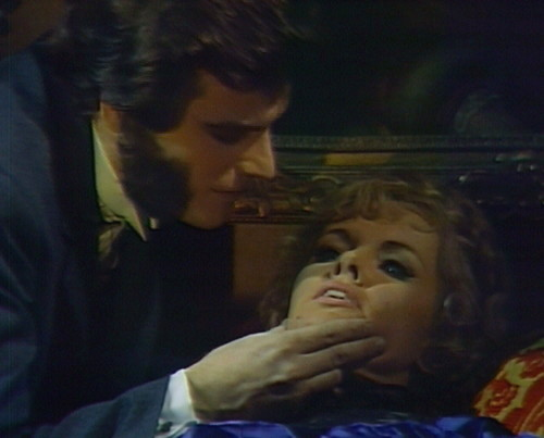 738 dark shadows quentin laura kiss