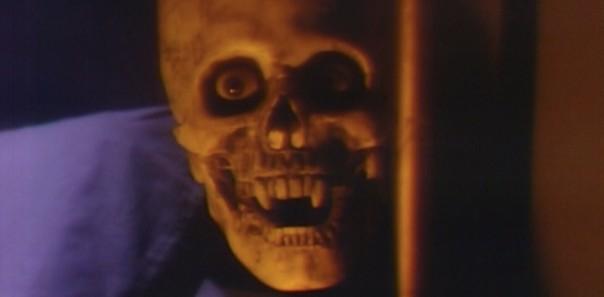 739 dark shadows skull fangs