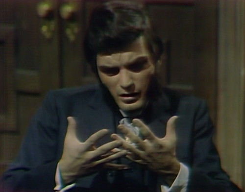 748 dark shadows quentin hand