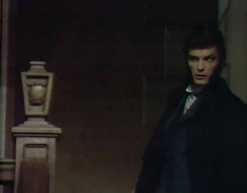 748 dark shadows quentin sneaking
