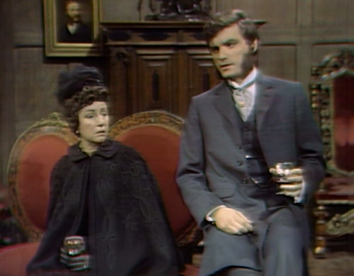 762 dark shadows minerva quentin couch
