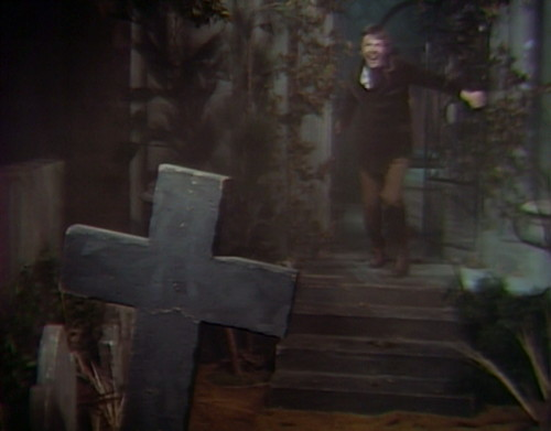 779 dark shadows carl escapes
