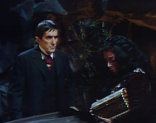 784 dark shadows barnabas magda hole