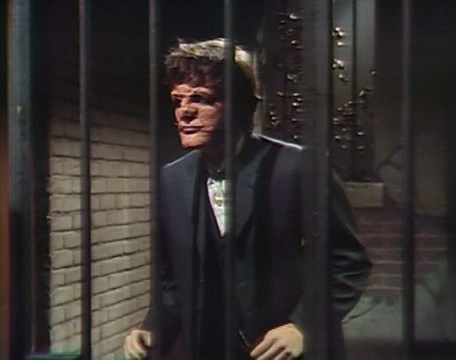 790 dark shadows quentin jail