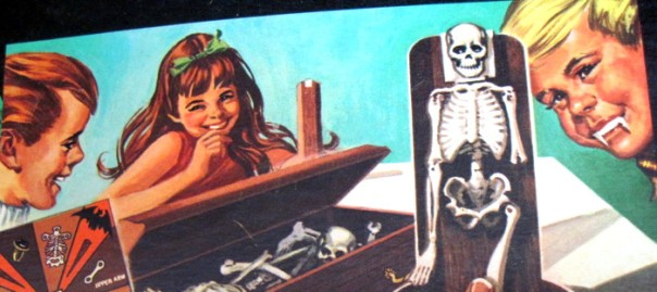 * 1969 Barnabas Collins Dark Shadows Game Replacement SKELETON LOWER RIGHT LEG