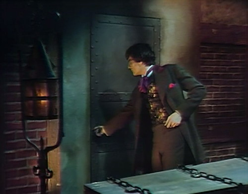 819 dark shadows aristede coffin