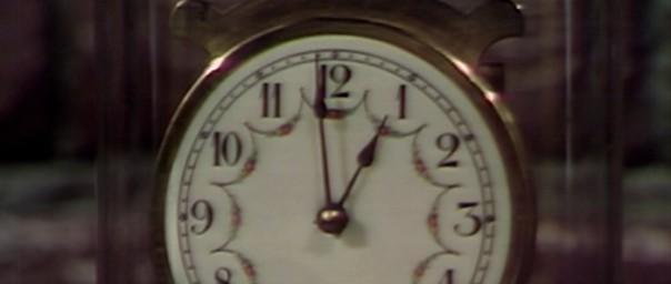 825 dark shadows clock