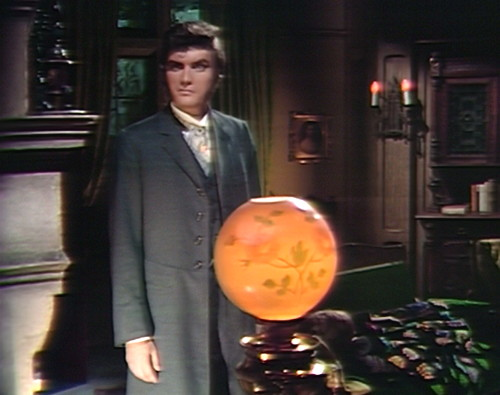 828 dark shadows quentin thinks