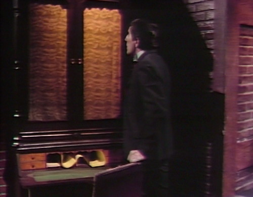 835 dark shadows barnabas desk