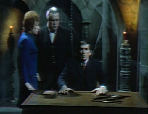 835 dark shadows julia stokes barnabas i ching