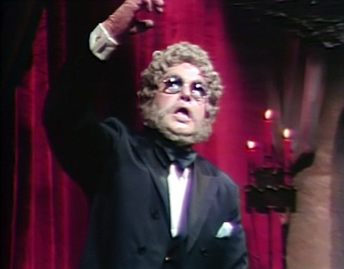 841 dark shadows petofi hand strangle
