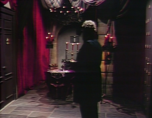 841 dark shadows petofi waiting room
