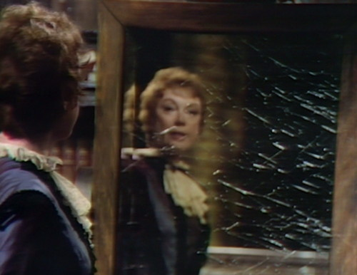 842 dark shadows julia mirror