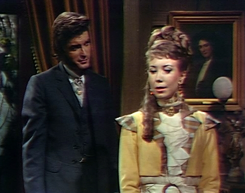 848 dark shadows quentin amanda grin