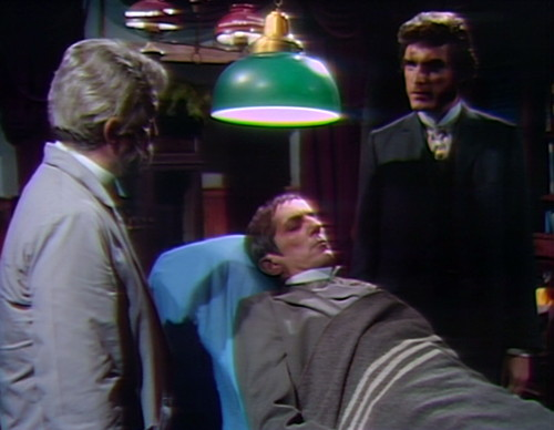 868 dark shadows barnabas quentin hospital