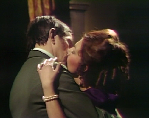 870 dark shadows barnabas kitty kiss