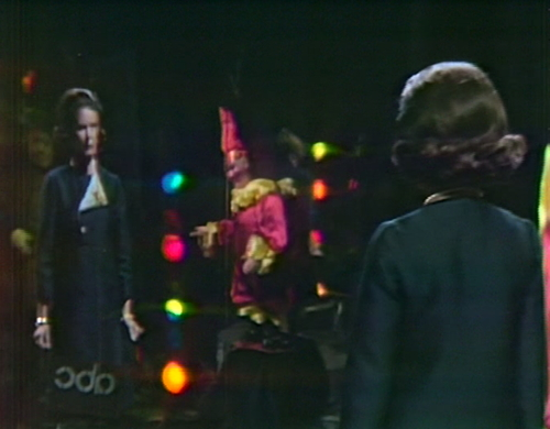 904 dark shadows liz mirror blooper