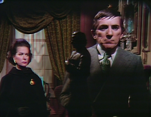 916 dark shadows liz barnabas frog